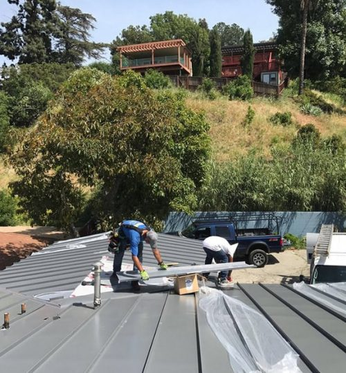 energy-roofers-working