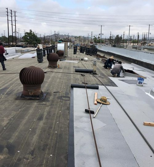 energy-roofing-construction-workers